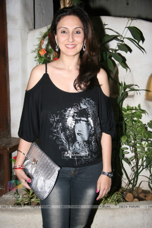 Juhi Babbar Showcase her New Collection at Cypress in Khar
