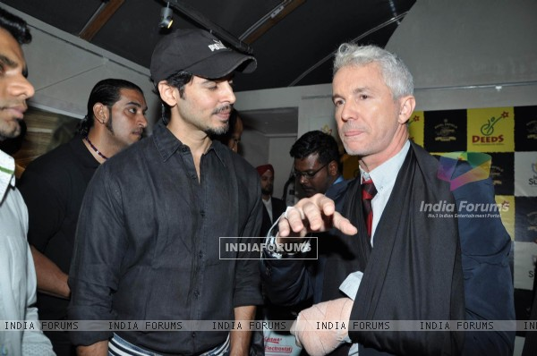 Dino Morea at Baz Lahrman and artist Vincent Fantauzzo Classic Tour