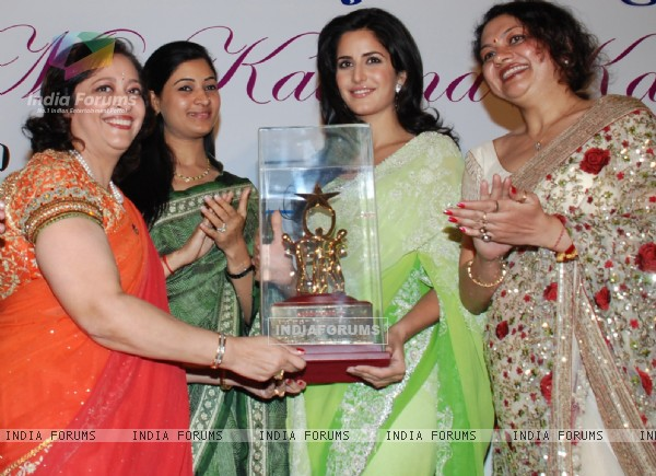 Bollywood actor Katrina Kaif receiving Excellence Performing Art Award 2009, instituted by ASSOCHAM from it