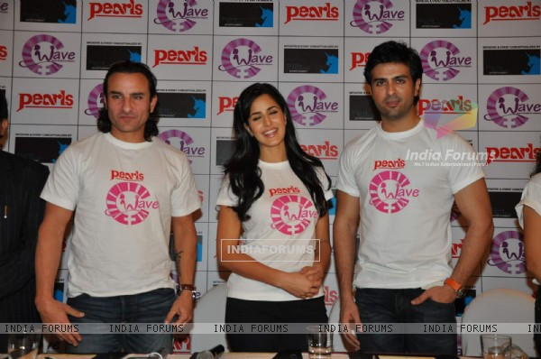 Saif, Katrina and Harman at Waves NGO press meet at JW Marrriott