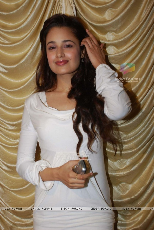 Yuvika Chaudhary at Hum Log Awards at Radio Club