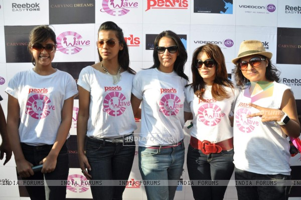 Neha Dhupia, Minisha Lamba & Mughda Godse protest against Domestice violence on Women at Bandra, Mumbai, Tue Evening