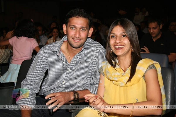 Ajith Agarkar with wife Fatima at Hill Spring International''s dance fusion 2010 event