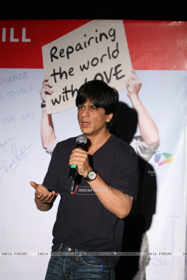 "SRK promotes ""My Name is Khan"" at Fun N Cinemax"
