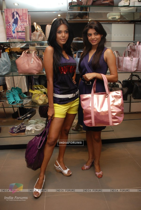 Natassha Suri Ishita Sarkar at Sisley launches Spring Summer 2010