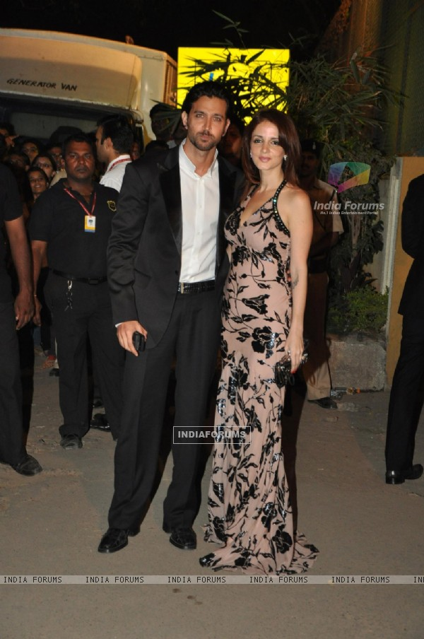 Hrithik and Suzanne at filmfare red carpet
