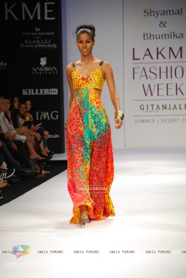 Model walk on the ramp for Shyamal Bhumika at Lakme Fashion Week 2010