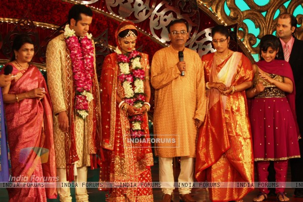 Rahul Mahajan selects and marries Dimpy Ganguly on national television Imagine