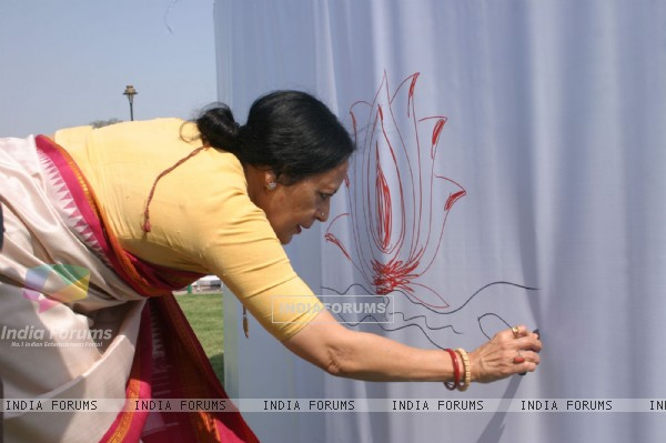 "Sonal Mansingh at ""Green Mela""as a part of Greenathon at Central Park, Connaught Place in New Delhi on Sunday"