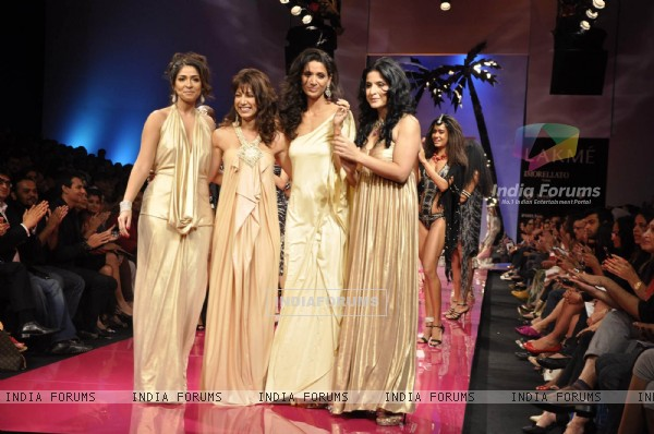 Models walks on the ramp for designer Malini Ramani at Lakme Fashion Week 2010