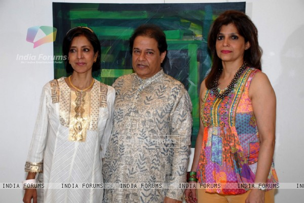 Anup Jalota with wife Medha and Bina Aziz at The ''Hang'' instrument is made in Switzerland
