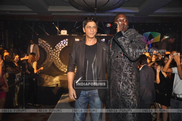 Shah Rukh Khan at Akon bash at
