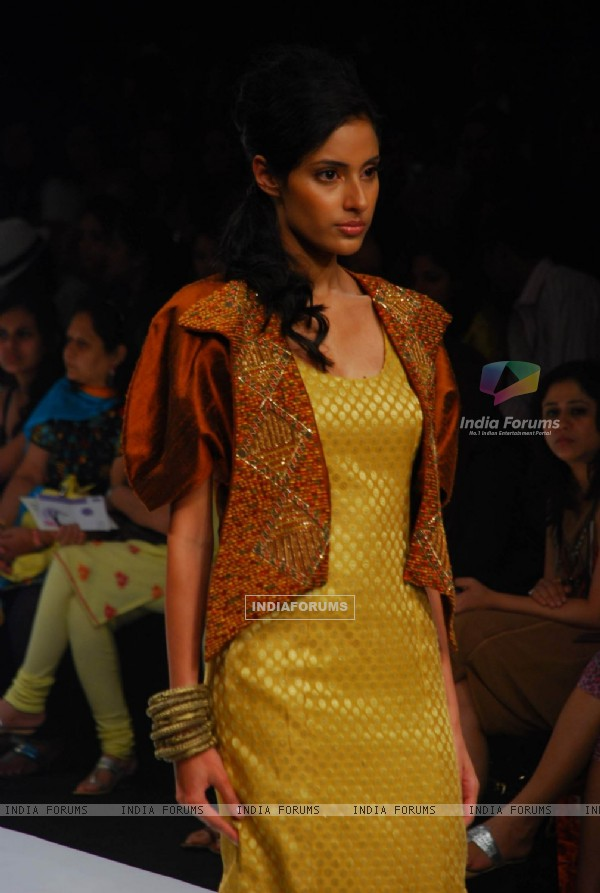 Model walks on the ramp for designer Debarun at Lakme Fashion Week 2010