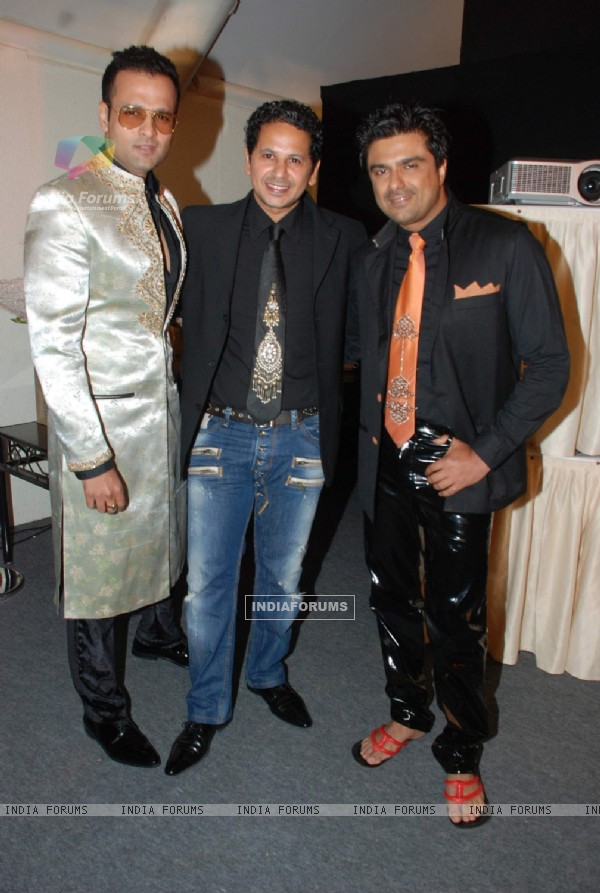 Rohit Roy, Azeem Khana and Sameer Soni at CPAA Shaina NC show presented by Pidilite at Lalit Hotel