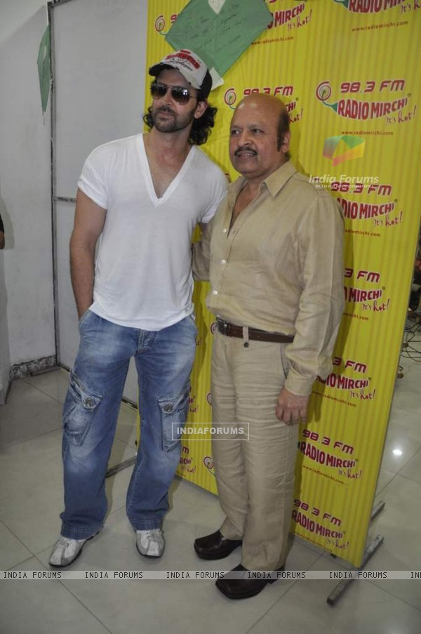 Hrithik Roshan promote kites on Radio Mirchi at Parel (86363)