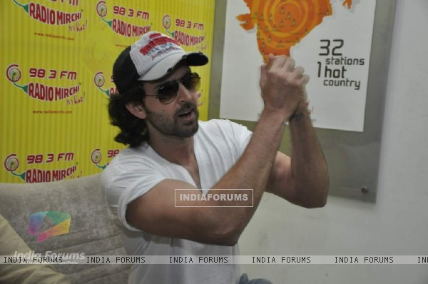 Hrithik Roshan promote kites on Radio Mirchi at Parel (86366)
