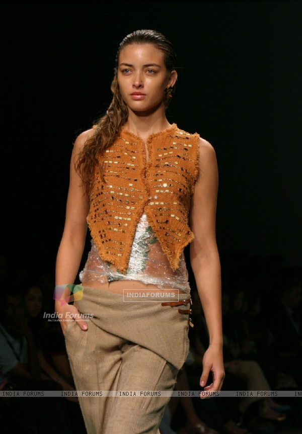 A Model showcasing designers Lecoanet Hemant''s creation at the Wills Lifestyle India Fashion Week-2010, in New Delhi on Saturday 27 March