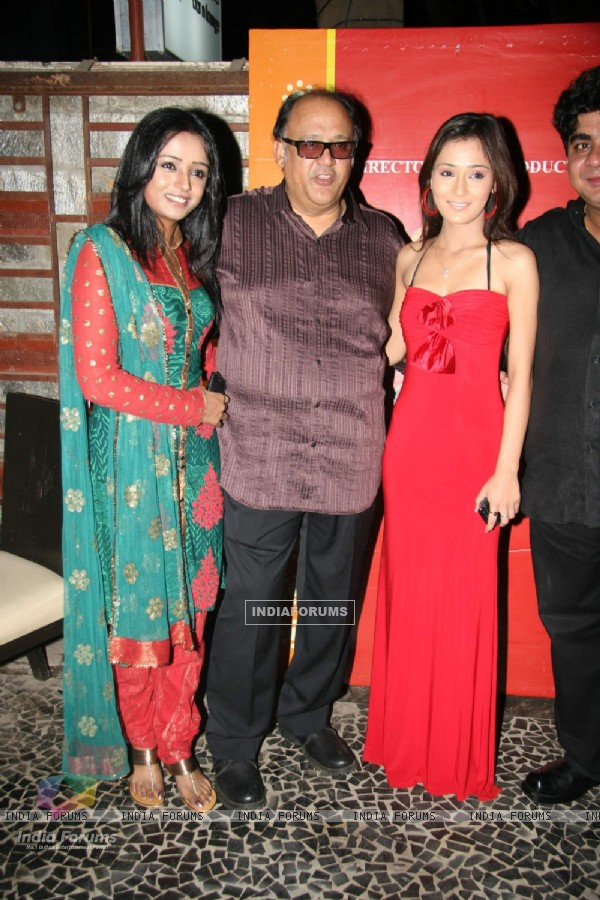 Alok Nath,Sara and Parul at Bidai serial success bash at Marima Lounge