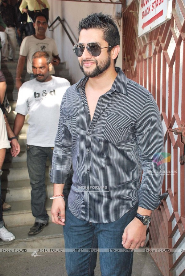 Aftab Shivdasani at Bharat and Dorris hair and makeup fashion week Grand finale