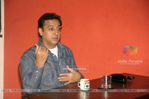 Gulshan Grover as guest lecturer for Roshn Taneja Academy at Andheri