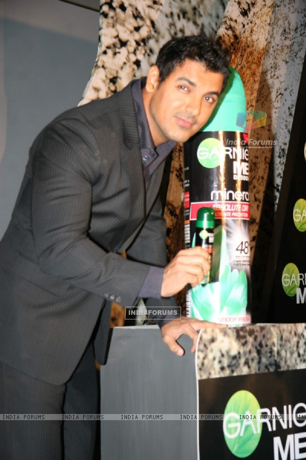 John Abraham launches new DEO from Garnier at Taj Land''s End