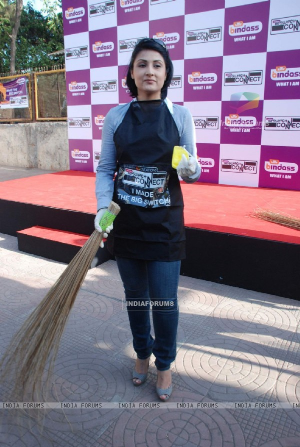 TV Actor Urvashi Dholakia during the launch of campaign on Importance of Effective Usage of Water by UTV Bindass Switch Connect progresses into PHASE II in Mumbai on Wednesday