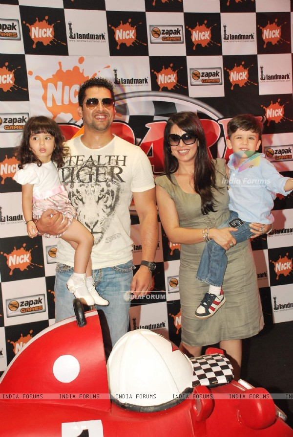 Aftab Shivdasani and Mahima Chaudhary at Roary the Racing Car Launch at Landmark, Phoenix Mill