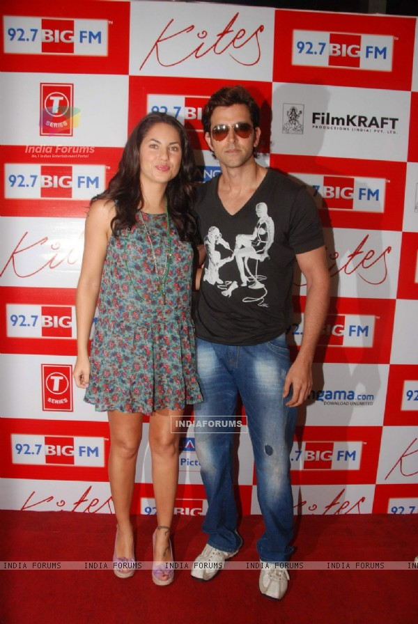 """Kites"" lead actors Hrithik Roshan and Barbara Mori at BIG FM Studios to greet the winners of Love Unlimited contest at Big FM (87819)"