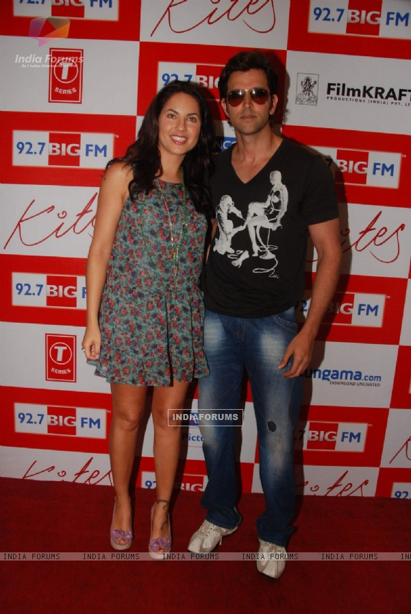 """Kites"" lead actors Hrithik Roshan and Barbara Mori at BIG FM Studios to greet the winners of Love Unlimited contest at Big FM (87820)"
