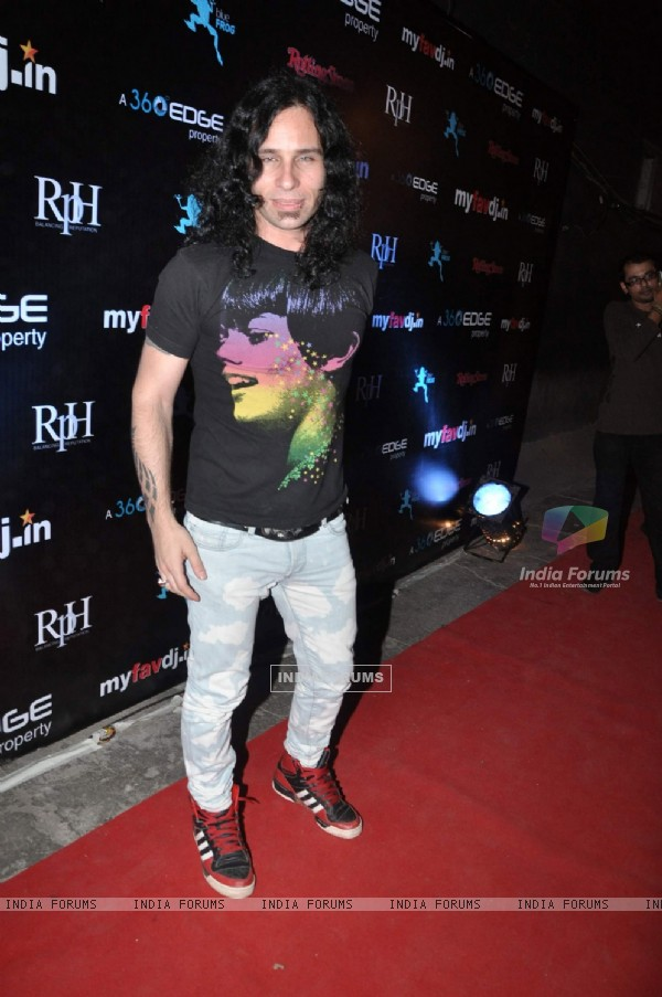 A guest at My Favorite DJ Awards at Blue Frog
