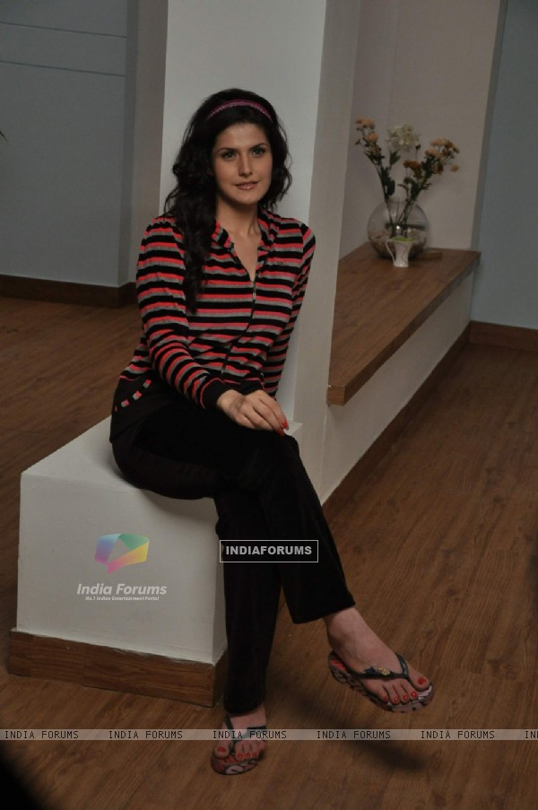 Zarine Khan shoots for Sweet Dreams Lounge Wear at Mehboob Studio, Mumbai