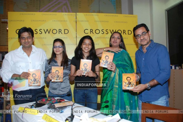 Shabana Azmi at Loins of Punjab DVD launch at Crossword