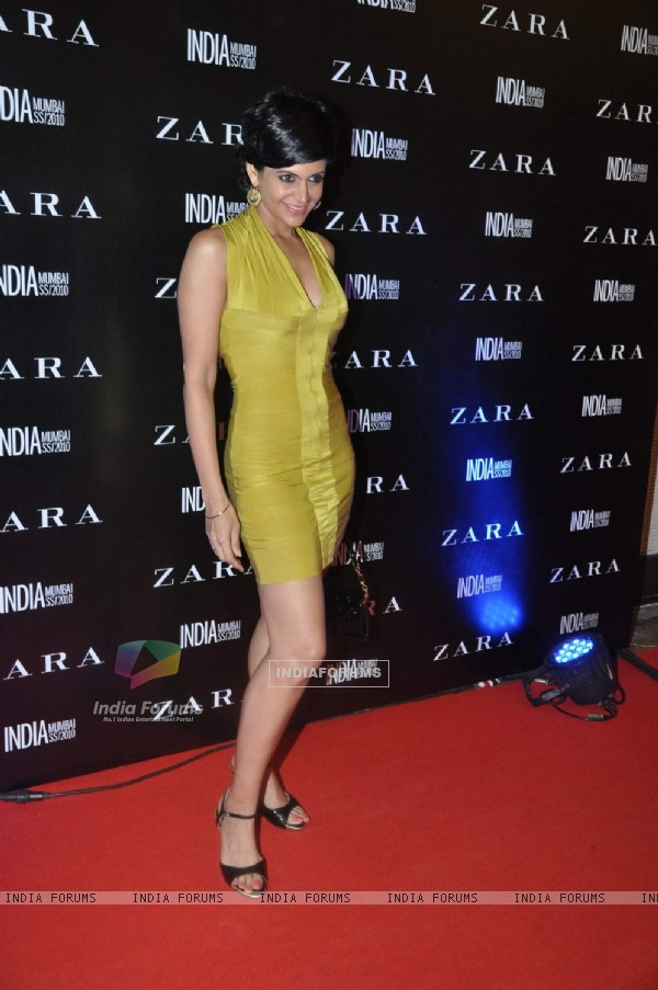 Mandira Bedi at Zara Store launch at Palladium