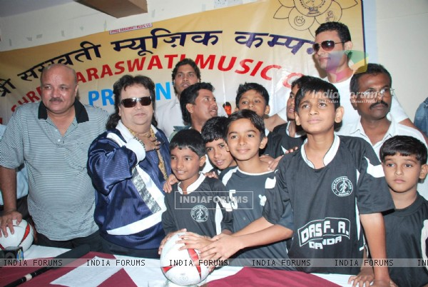 Bappi Lahri at Lagan the winner film launch at Juhu Plaza