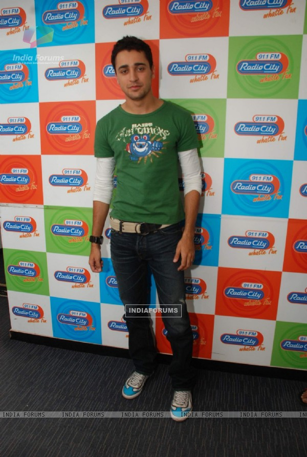 Imran Khan promotes I Hate Love Stories at Radio City at Bandra