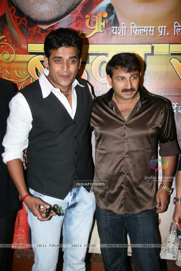 "Bhojpuri actors Manoj Tiwari and Ravi Kishan aat the launch of Bhojpuri show ""Badka Sahab"" Raheja Classic"