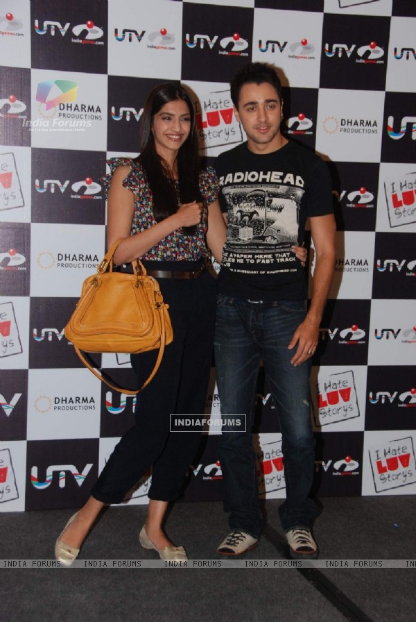 Sonam Kapoor and Imran Khan ''I Hate Luv Storys Game Launch'' at JW Marriott