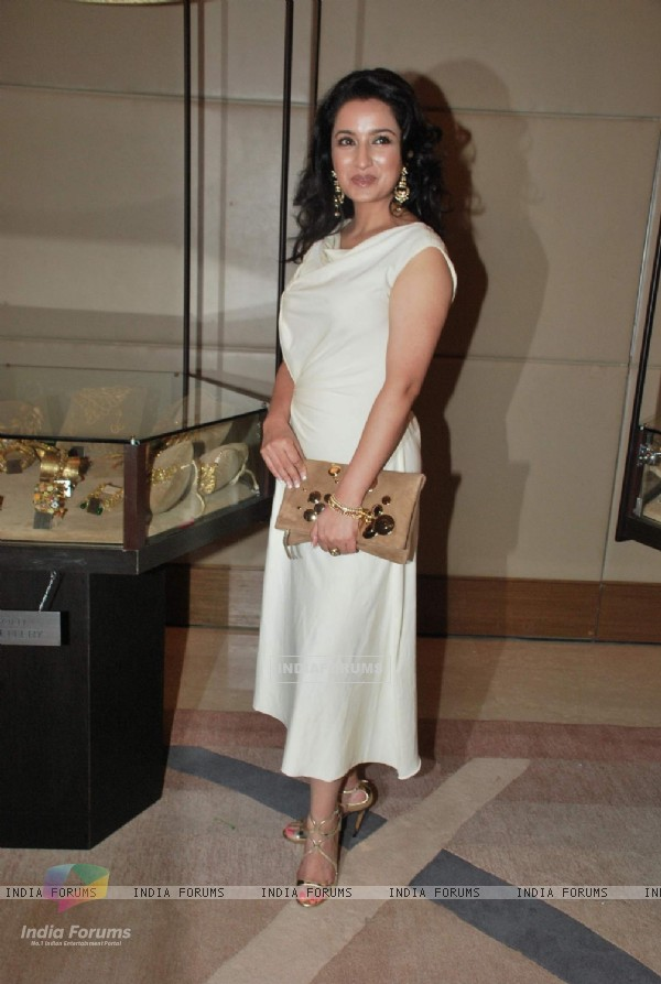 Tisca Chopra at Gemfields Retial Jeweller India Awards at BKC, Bandra