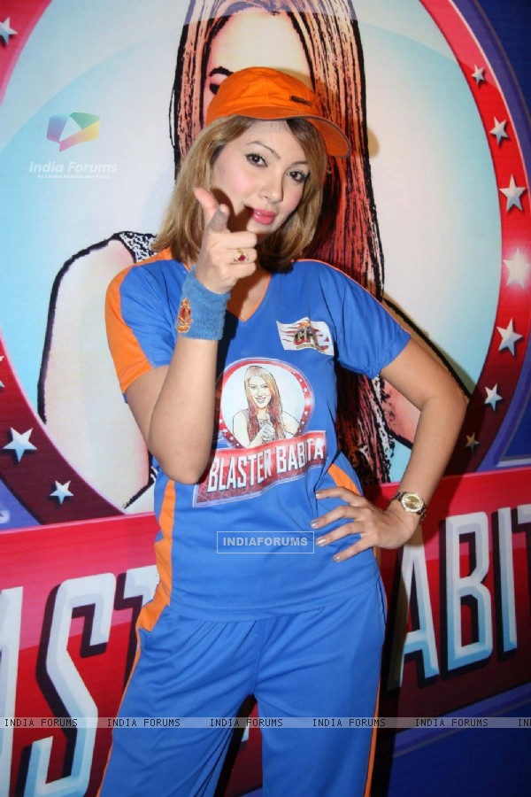 "Moonmoon Banerjee at ""Tarak Mehta Ka Ollta Chasma"" on location at Kandivli"