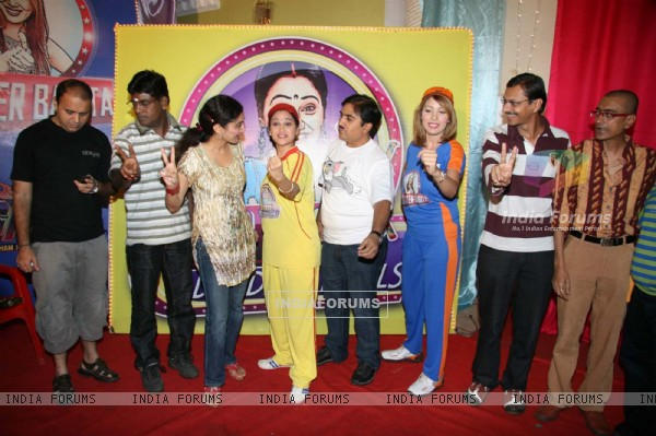 "Cast at ""Taarak Mehta Ka Ooltah Chasmah"" on location at Kandivli"