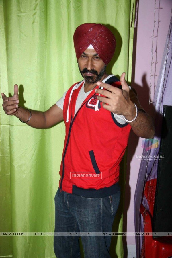 "Gurucharan Singh at ""Tarak Mehta Ka Ollta Chasma"" on location at Kandivli"