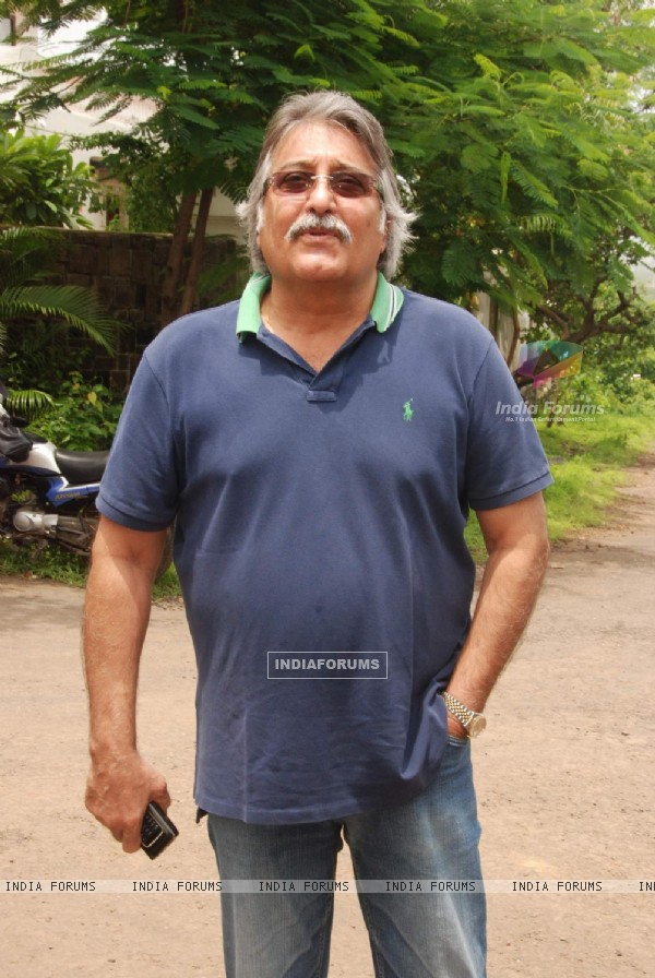 Vinod Khanna at the Mahurat of ''One & Only''