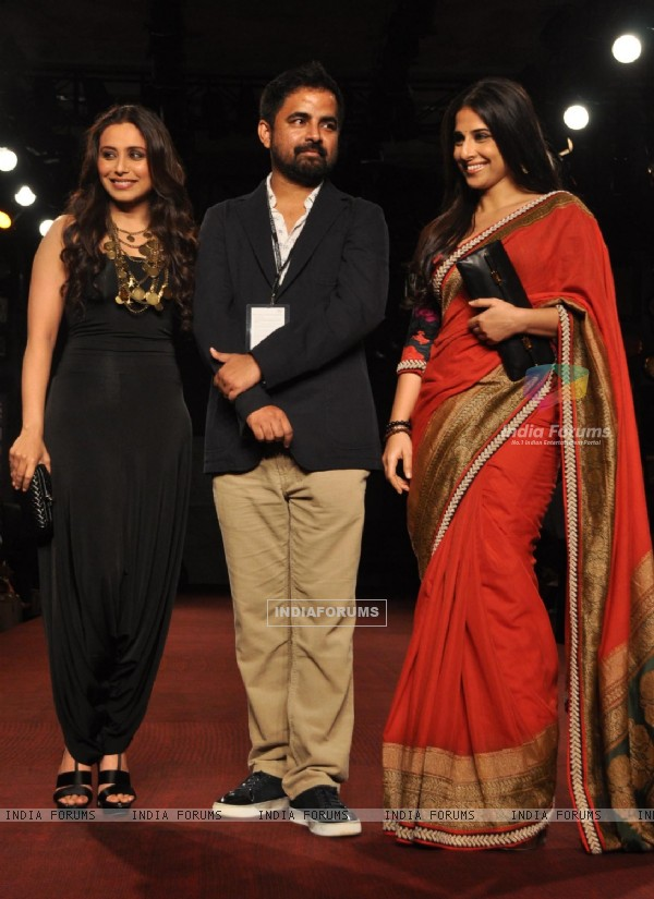 Bollywood actress Rani Mukherjee and Vidya Balan with designer Sabyasachi Mukherjee''s show at the Delhi Counter Week 2010, in New Delhi on Tuesday