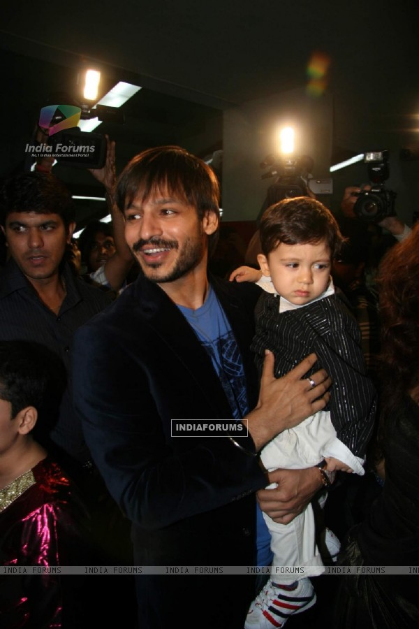 Arts in motion show with Vivek Oberoi at St Andrews