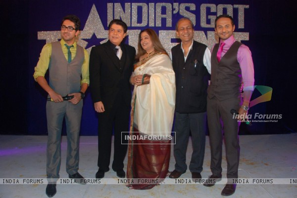 Ayushman Khurana, Sajid Khan, Kirron Kher and Nikhil Chinnappa during the press meet for the TV show