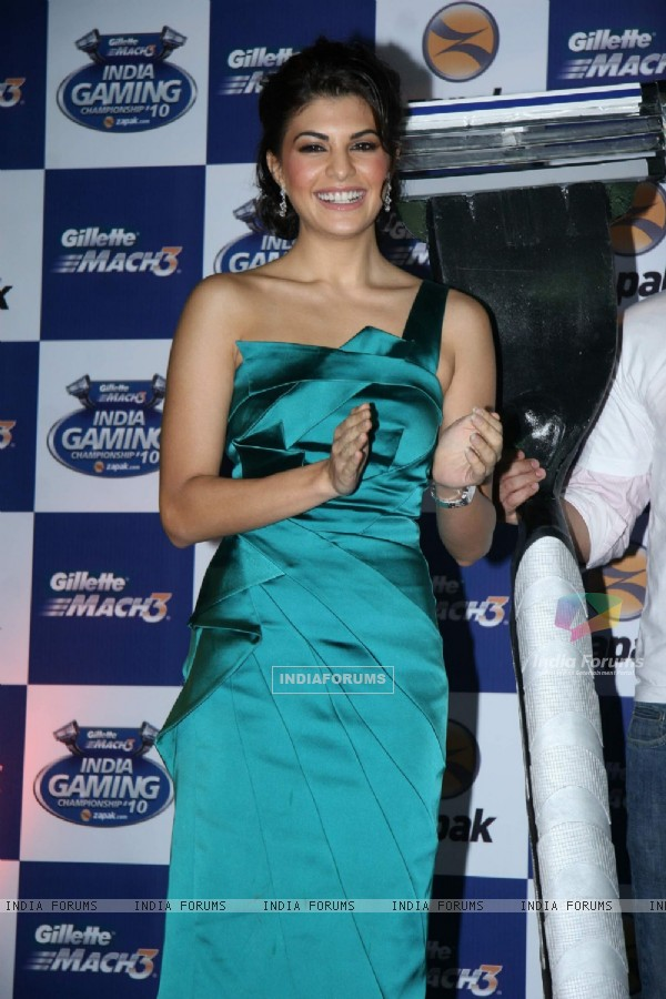 Jacqueline Fernandes at Gillette Mach3 India Gaming Championship 2010 at Vadala