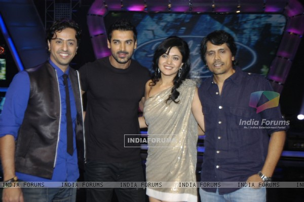 John Abraham and Sonal Sehgal promotes Aashayein on Indian Idol at Filmistan Studio, Mumbai