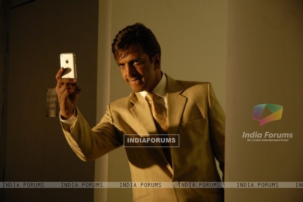 Javed Jaffery in the movie Hello Darling