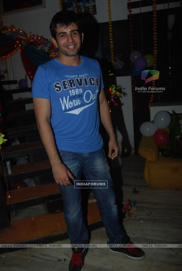 Jay Bhanushali at Sara Khan birthday bash