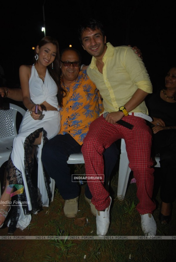 Alok Nath,Ali Merchant at Sara Khan birthday bash
